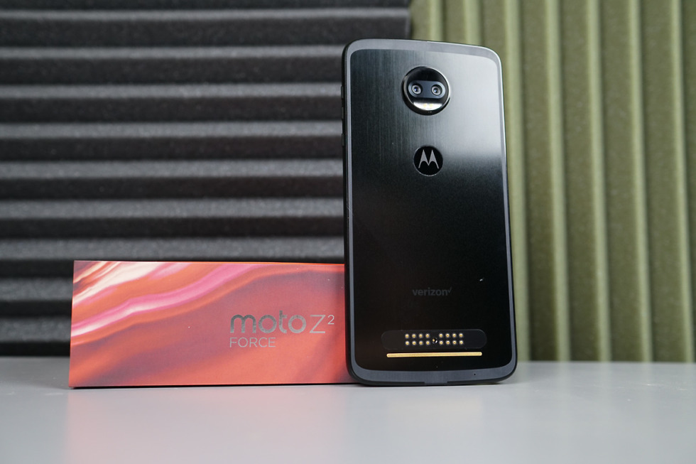 Motorola cuts the price of its unlocked Moto Z2 Force by $79