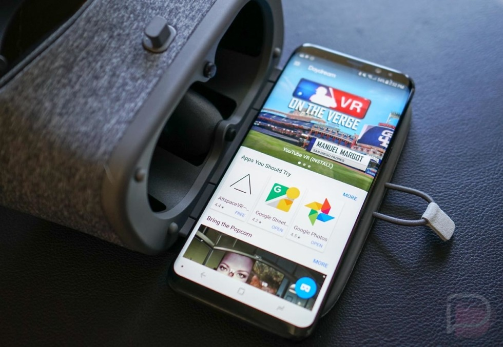 Google rolling out Daydream VR support for Samsung Galaxy S8 and S8+