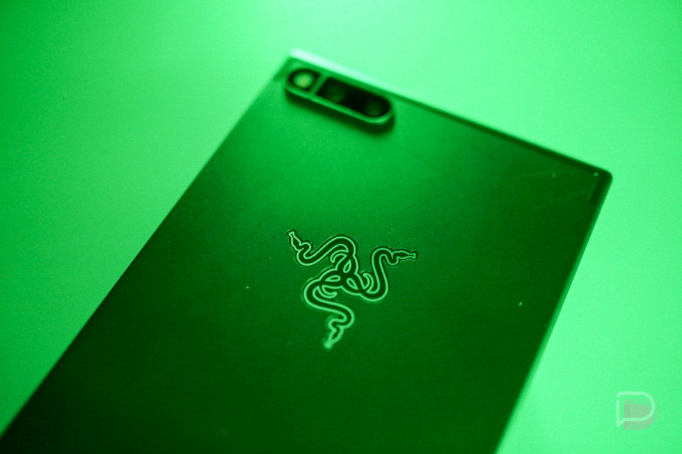 Razer Phone updated to Android 8.1 Oreo, now available at Best Buy