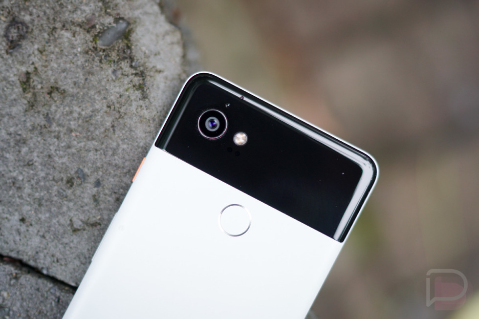 Pixel and Pixel XL users are suing Google over the defective mic