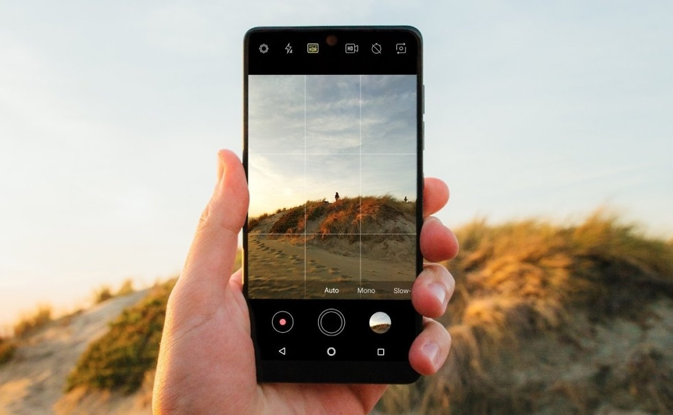 Essential Camera update brings Auto-HDR, improved scene rendering