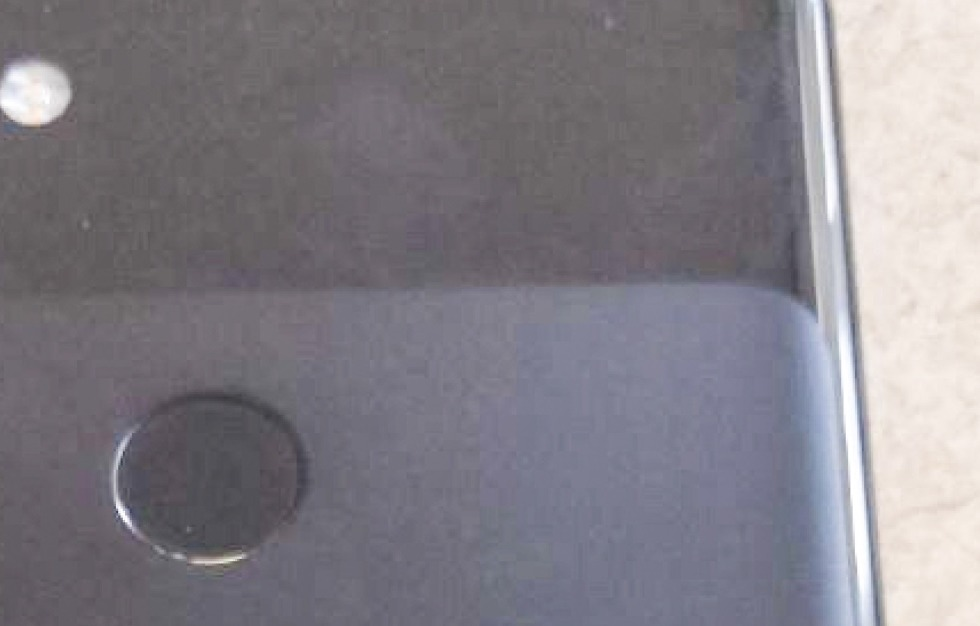 More alleged Google Pixel 3 XL leaked images show off every angle
