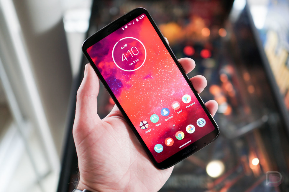 Motorola P30 leaks out with a familiar design