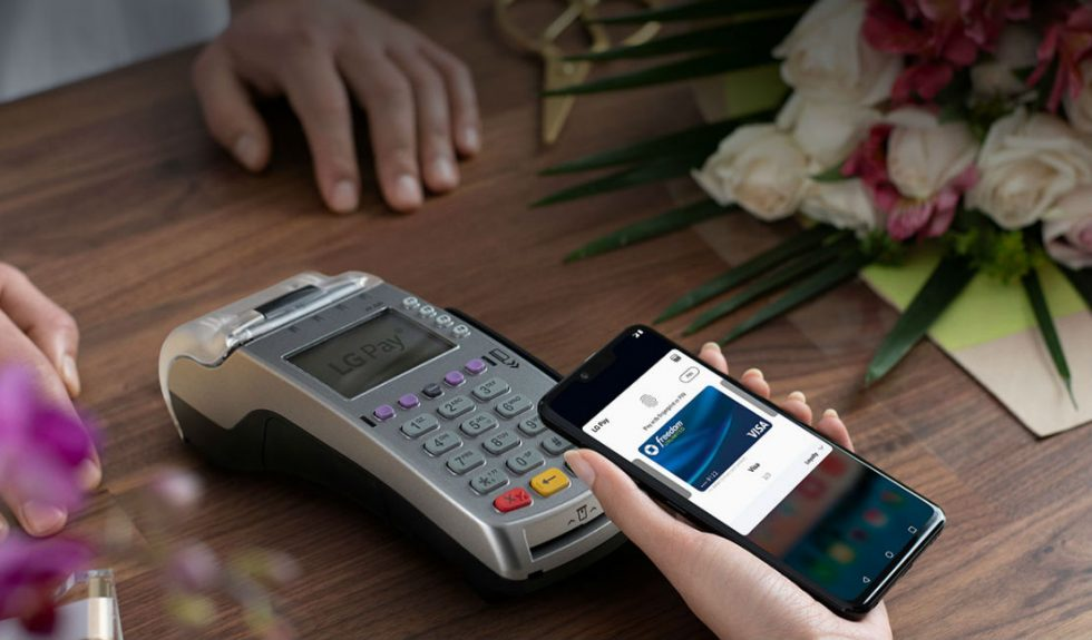 LG Pay finally arrives in the U.S.  with support for magstripe terminals
