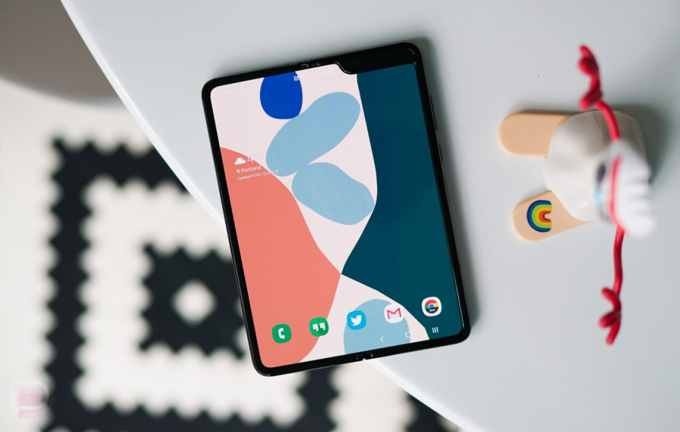 Google Pixel 4 Styles and Wallpapers app shows robust theming options