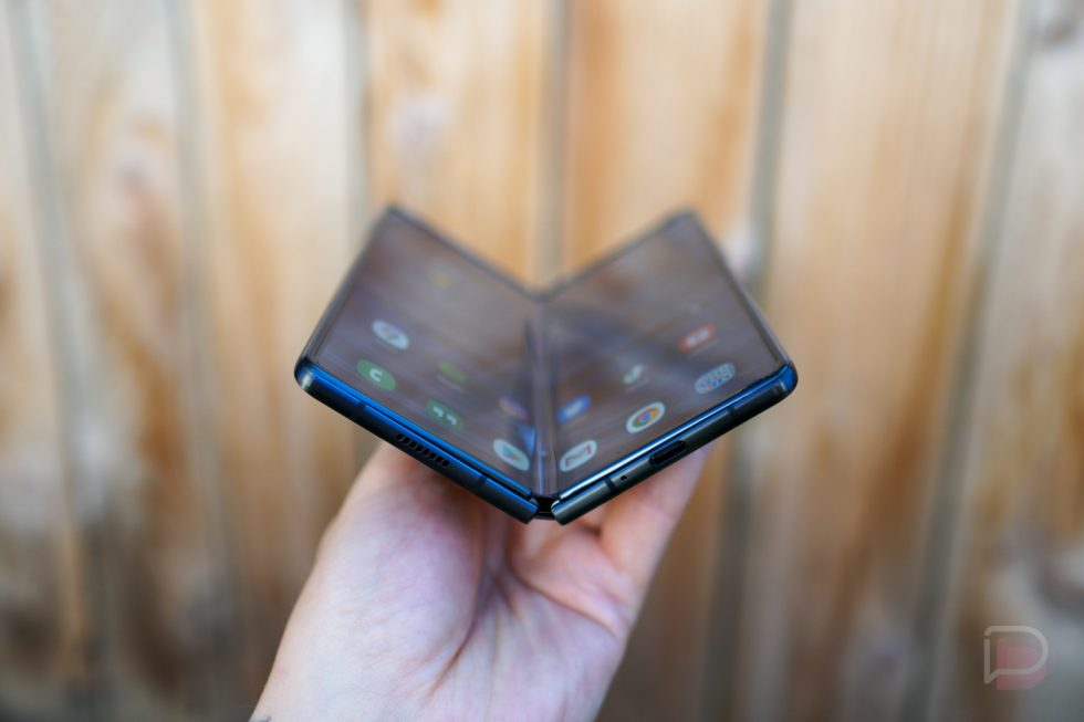 Samsung to launch 3 foldable smartphones in 2021